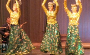 4685103-Traditional_dancers_Tashkent