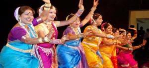 lavani-dancers-maharashtra