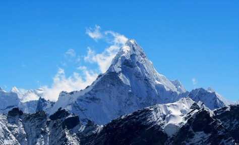 8 mt._ama_dablam_in_the_everest_region_of_the_himalayas_nepal._shutterstock_106617647