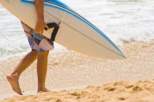 Balis Surfer