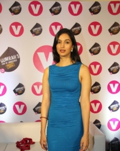 Channel V launches GUMRAH the book unveiled by best-selling author Ira Trivedi and Chetan Bhagat (foreword written by him) (15)