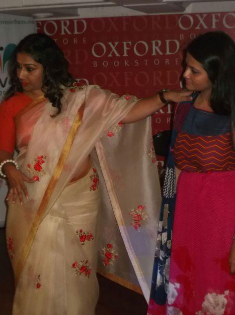 Dolly Jain demonstrating