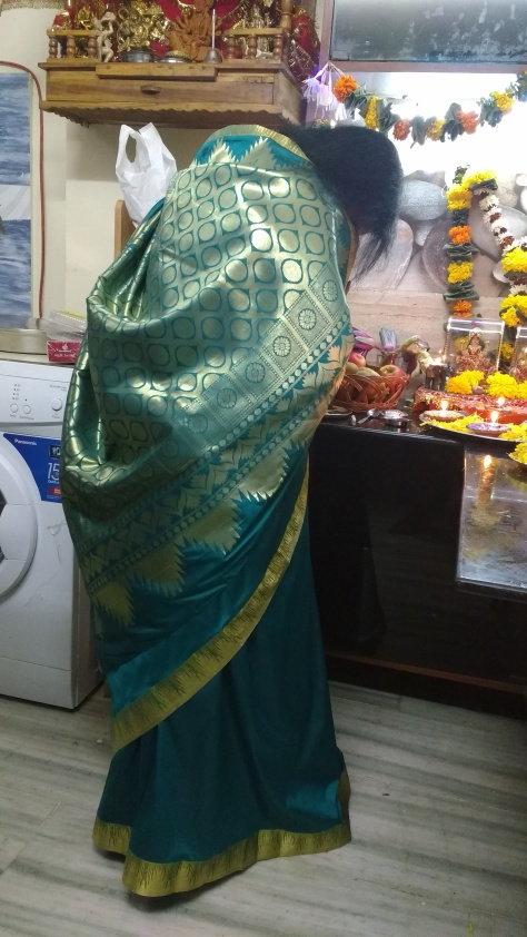 Saree courtesy: Triveni Ethnics