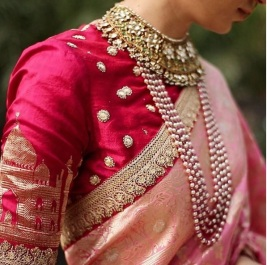 saree with necklace
